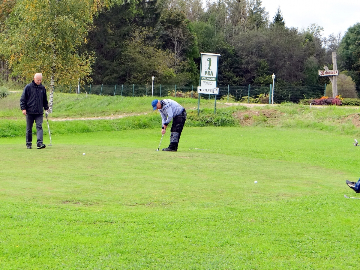 golfs (6)
